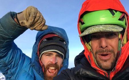 Seán Villanueva O'Driscoll a Jonathan Griffin na vrcholu Fitz Roy (3.405 m n. m.). Foto: Seán Villanueva O'Driscoll a Jonathan Griffin