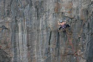 Hazel Findlay v cestě Muy Caliente (E9 6c), foto: Ray Wood