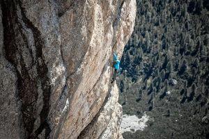 Simon Messner během prvovýstupu Sinnfresser, foto: Matteo Mocellin / Storyteller-Labs