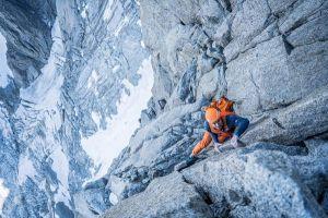Dani Arnold v cestě Allain-Leininger (severní stěna Petit Dru), foto: Romano Salis