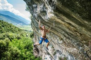 Cesar Grosso v cestě Pure Dreaming (9a), Massone, Arco, foto: Michele Caminati