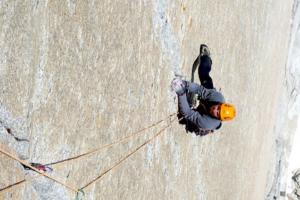 Lucas Rubiolo v páté délce během pokusu v severní stěně El Mocho. Foto: Sean Villanueva O'Driscoll