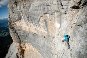 Simon Messner v poslední délce cesty Sinnfresser, foto: Matteo Mocellin / Storyteller-Labs