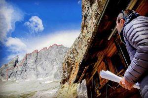 Filp Babicz pod jižním hřebenem Aiguille Noire de Peuterey, foto: archiv Filip Babicz