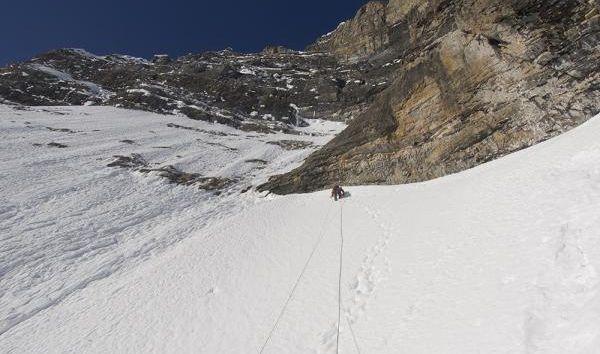 Prvovýstup v severovýchodní stěně Mount Niblock