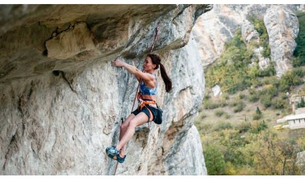 Nenávidí lezení, miluje lezení. První ruské 9a