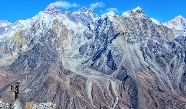 Prvovýstup na panenský vrchol v Nepálu